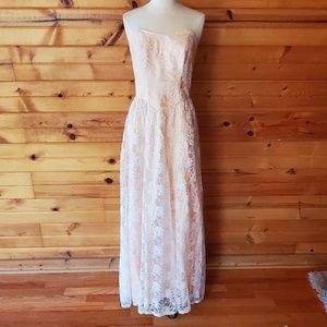 1980s Dance Allure Pale Peach, White Lace Overlay,